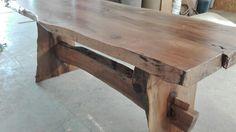 Tavolo in legno noce masello nostrano