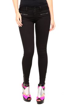 Super Skinny Jeggings.  Yes please.