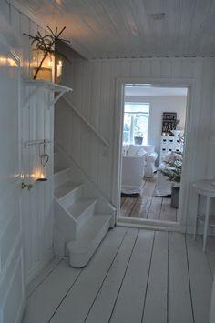 White porch: Jul 2011