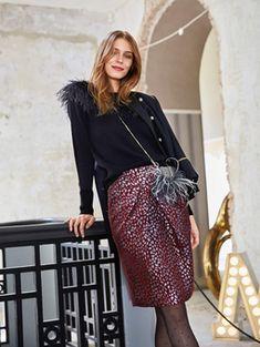 Модели, сшитые по выкройке Юбка на широкой кокетке Sequin Skirt, Sequins, Skirts, Fashion, Moda, Sequined Skirt, Fashion Styles, Skirt