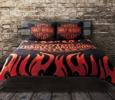 Wanna look cool? Nothing better than this. Harley Davidson Bedding, Harley Davidson Store, Harley Davidson Merchandise, Harley Davidson Gifts, Harley Davidson T Shirts, Harley Davidson Motorcycles, Davidson Homes, Harley Davison, Harley Bikes