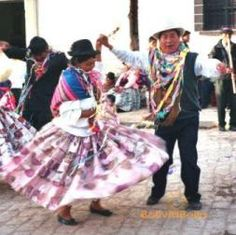 In Bolivia, the clothing is very traditional and is based on culture. For women, very fancy dresses are worn. Because there are so many ethnic groups, the kinds of dresses vary. For men, jeans, dress shirts, and fancy hats are commonly seen. On a non traditional day, casual clothes are worn.