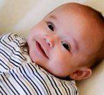 Verschillende rituelen bij pasgeboren baby's in de wereld.