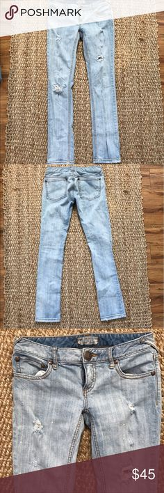Free People Paint Splatter Destroyed Jeans Size 27 Free People Paint Splatter Destroyed Jeans Size 27. Worn twice in excellent condition. Free People Jeans