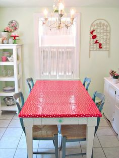 farmtable covered in my favorite fabric------Oilcloth!  Kid friendly and Mom approved!