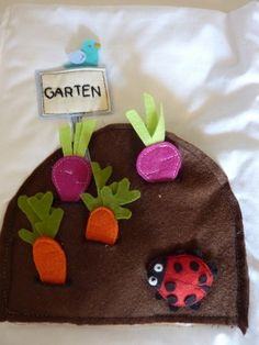 The Quiet Book Blog: Helga's Felt Quiet Book