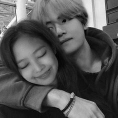 Jennie Kim Tumblr, Jennie Kim Blackpink, Bts Girl, Bts Boys, Ulzzang Couple, Ulzzang Girl, Kpop Couples, Cute Couples, Korean Best Friends