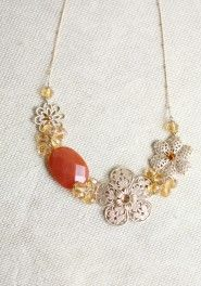 golden flora necklace