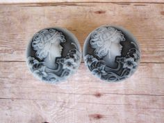 "Pair of Feminine Cameo Plugs - Black & White - Girly Plugs - Girly Gauges - Handmade - 1"" - 25mm, 28mm, 30mm, 32mm by WhimsyByKrista on Etsy"