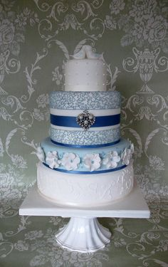 Love birds Wedding - by jayneycakes @ CakesDecor.com - cake decorating website  But in your colors