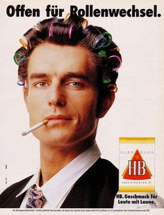 HB (1990) Offen für Rollenwechsel Offen für Rollenwechsel. HB KING SIZE QUALITY CIGARETTES HAUS BERGMANN HB. Geschmack für Leute mit Laune. ----------------------------------------------------- Der Bundesgesundheitsminister: Rauchen gefährdet Ihre Gesundheit. Der Rauch einer Zigarette dieser Marke entält 0,9 mg Nikotin und 13 mg Kondensat (Teer) (Durchschnittswerte nach DIN)