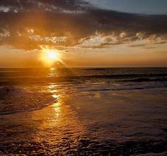 #sunrise_sunsets_aroundworld #vscolandscape  #landscapephotography #jj_editors #visitVa #loveva #visitvabeach #sunrise#sunset #virginiabeach #virginiacities #saltlife #beachlife #dream_image #main_vision #757collective by jeffwermers