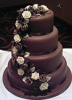 Tasty wedding cakes.Trimami Reese Witherspoon Blog: Chocolate Wedding Cake.