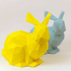 Make this adorable easter bunny from paper. German blog with free template. Enjoy!