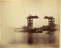Never before seen photographs of the construction of Tower Bridge being constructed have been unveiled after a stash of hundred-year-old photos were found in a skip. Victorian London, Vintage London, Old London, London City, Victorian Era, Victorian History, London Pictures, Old Pictures, Old Photos