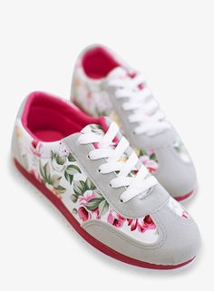 This item is shipped in 48 hours, included the weekends. Make a fun and quirky statement with these grey women's casual lace up tennis shoes. The cute design is just the update your wardrobe needs! Th