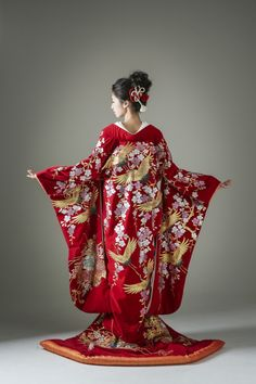 A Jessam look Traditional Japanese Kimono, Traditional Fashion, Traditional Dresses, Oriental Fashion, Asian Fashion, Kimono Fashion, Fashion Outfits, Kimono Japan, Wedding Kimono