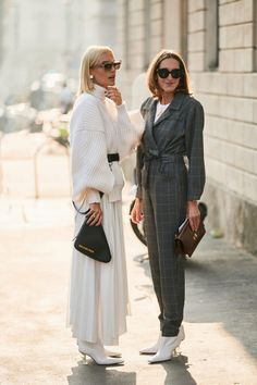 The Best Street Style Looks From Milan Fashion Week Spring 2019 Milan Fashion Week Street Style, Milan Fashion Weeks, Cool Street Fashion, Street Style Looks, Street Chic, Street Fashion Winter 2018, Minimalist Street Style, Casual Summer Outfits For Women, Casual Outfits