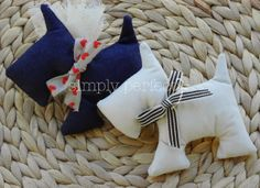 baby shower & baptism favors Handmade Baby, Handmade Toys, Christening Party, Baptism Favors, Baby Quilts, Fabric Crafts, Blue And White, Baby Shower, Projects