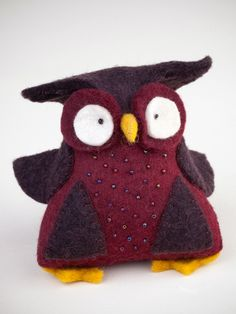 This owl is handmade in Kyrgyzstan out of felt, a thick fabric produced by application of heat, water, and pressure for the meshing together of wool fibers. The women dye the felt pieces and then cut, Felt Owls, Felt Birds, Felt Animals, Sewing Crafts, Sewing Projects, Creation Deco, Owl Crafts, Felt Patterns, Wool Applique