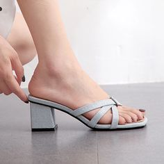 White Block Heel Sandals, Kitten Heel Shoes, Jeans And Flats, Stiletto Boots, Trendy Shoes, Girls Shoes, Women's Shoes Sandals, Open Toe, Fashion Shoes