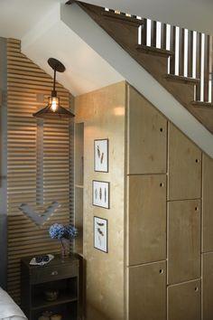 Built-In Storage Und