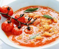 La pappa al pomodoro è uno dei piatti tradizionali della cucina toscana. Preparatela semplicemente e velocemente utilizzando il vostro Bimby.
