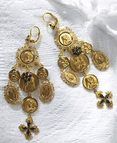 Dolce & Gabbana jewelry collections 2012 are typical Italian craft that carries religious themes.