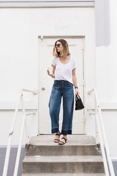 If you want to look casually different with your jeans this spring, you should try these spring denim outfit ideas. Denim Culottes Outfits, Casual Skirt Outfits, Outfit Jeans, Jean Outfits, Culottes Outfit Summer, Jeans Outfit Summer, Denim Pants, Ripped Jeans, Blue Jeans