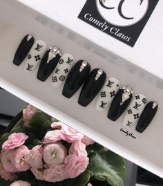 The Perfect Manicure that's applied in Seconds. Custom Press On Nails Bling Acrylic Nails, Coffin Nails, Business Nails, Boutique Nails, Fire Nails, Nails At Home, Press On Nails, Manicures, Claws