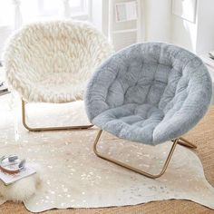 Hang-A-Round Chair, Winter Fox Faux-Fur w/ Gold Base at Pottery Barn Teen - Lounge & Gaming Chairs - Teen & Kids Bedroom Furniture - Stühle Bedroom Chair, Room Ideas Bedroom, Bedroom Decor, Bedroom Lounge Chairs, Chairs For Bedroom Teen, Office Chairs, Teen Lounge, Round Chair, Cute Room Decor