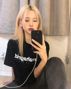 Blonde Asian Hair, Uzzlang Girl, Ulzzang Couple, Wattpad, Aesthetic Hair, Just The Way, Hair Inspo, Korean Fashion, Asian Girl
