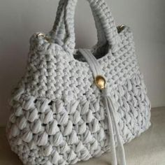 Crochet Handbags Crochet Bags Knit Crochet Wind Chimes Straw Bag Purses And Bags Amigurumi Stitches Tote Handbags Free Crochet Bag, Crochet Tote, Crochet Handbags, Crochet Purses, Crotchet Bags, Knitted Bags, Diy Crafts Crochet, Bag Pattern Free, Diy Tote Bag