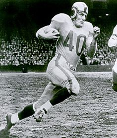 """Elroy """"Crazy Legs"""" Hirsch - NFL Hall of Fame football player for the Cleveland / Los Angeles Rams, he gained his nickname from his unique running style where his legs appeared to be going in several directions at once Nfl Football Players, Sport Football, Packers Football, Football Cards, Baseball, Football Images, Football Pictures, Sports Photos, Nfl Hall Of Fame"""