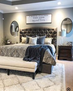 Like the rug under bed - New Bedroom İdeas Master Room, Master Bedroom Makeover, Master Bedroom Design, Dream Bedroom, Home Bedroom, Modern Bedroom, Bedroom Furniture, Bedroom Decor, Bedroom Ideas