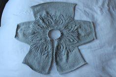 Ravelry lindsaymudd s vintage leaf matinee coat again 5 Diy Crafts Knitting, Knitting For Kids, Free Knitting, Baby Knitting, Knitting Hats, Coat Patterns, Knitting Patterns, Knit Baby Sweaters, Knit Picks