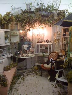 Love this Booth from an Antiques Show.