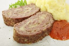 Learn how to make ground Beef Roll with Ham and Cheese with this delicious and easy recipe. More than just that big fella in Fight Club, meatloaf is a delicious. Slovenian Food, Beef Roll, Recipe Filing, Meat Loaf, Dried Beans, Ground Meat, Ham And Cheese, Cheese Recipes, Side Dishes
