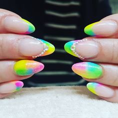 """10 Synes godt om, 1 kommentarer – Box of beauty (@boxofbeautydk) på Instagram: """"#summernails #happy #girl"""" Round Shaped Nails, Boxer, Round Wire Nails, Boxer Pants"""