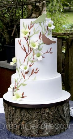 DreamCakeFactory | Dogwood and birds