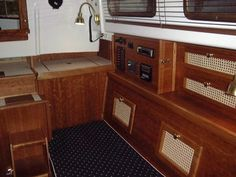 Pearson Triton #381 Glissando | Finish Trim and woodwork in the Cabin