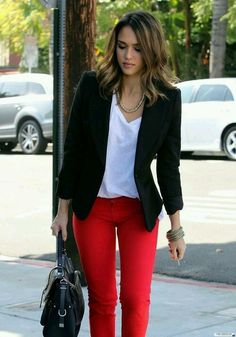 Black blazer outfit with red pants, casual blazer, black blazer outfit casual, women Look Blazer, Casual Blazer, Casual Shirts, Navy Blazer Outfits, Dress Outfits, Sweater Dresses, Couple Outfits, Trajes Business Casual, Business Casual Outfits