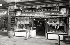James van der Zee - Westbrook Chicken Market, 1942.