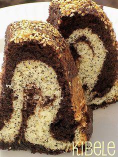 > Hafta sonu yaptığım kakaolu haşhaşlı susamlı kek. Yemesi zevkli ve lezzetli oldu… Malzemeler: 3 yumurta 200 gr tereyağı – oda ısısında 1,5 su bardağı şeker yarım su bardağı süt – oda ısı…