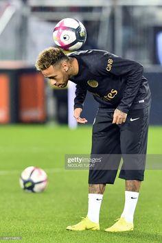News Photo : Paris Saint-Germain's Brazilian forward Neymar... Neymar Football, Football Boys, Football Match, Fifa Covers, Neymar Jr Tattoos, Neymar Jr Hairstyle, Neymar Vs, Soccer Hairstyles, Neymar Jr Wallpapers
