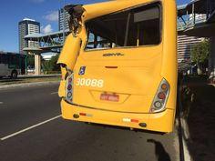 DE OLHO 24HORAS: Batida entre dois ônibus e carro deixa passageiros...