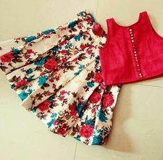 Kids Dress Wear, Kids Gown, Baby Frocks Designs, Kids Frocks Design, Frocks For Girls, Little Girl Dresses, Kids Blouse Designs, Kids Lehenga, Baby Girl Dress Patterns