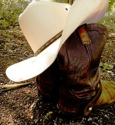 My two favorite things: #CowboyHat & #CowboyBoots :) #Farmlife
