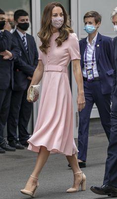Style Kate Middleton, Kate Middleton Outfits, Kate Middleton Fashion, Kate Middleton Wimbledon, Kate Middleton Family, The Duchess, Duchess Of Cambridge, Duchesse Kate, Estilo Real
