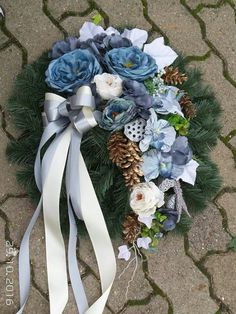 Lompozycja Grave Flowers, Funeral Flowers, Funeral Flower Arrangements, Floral Arrangements, Christmas Wreaths, Christmas Decorations, Holiday Decor, Black Flowers, Centerpiece Decorations